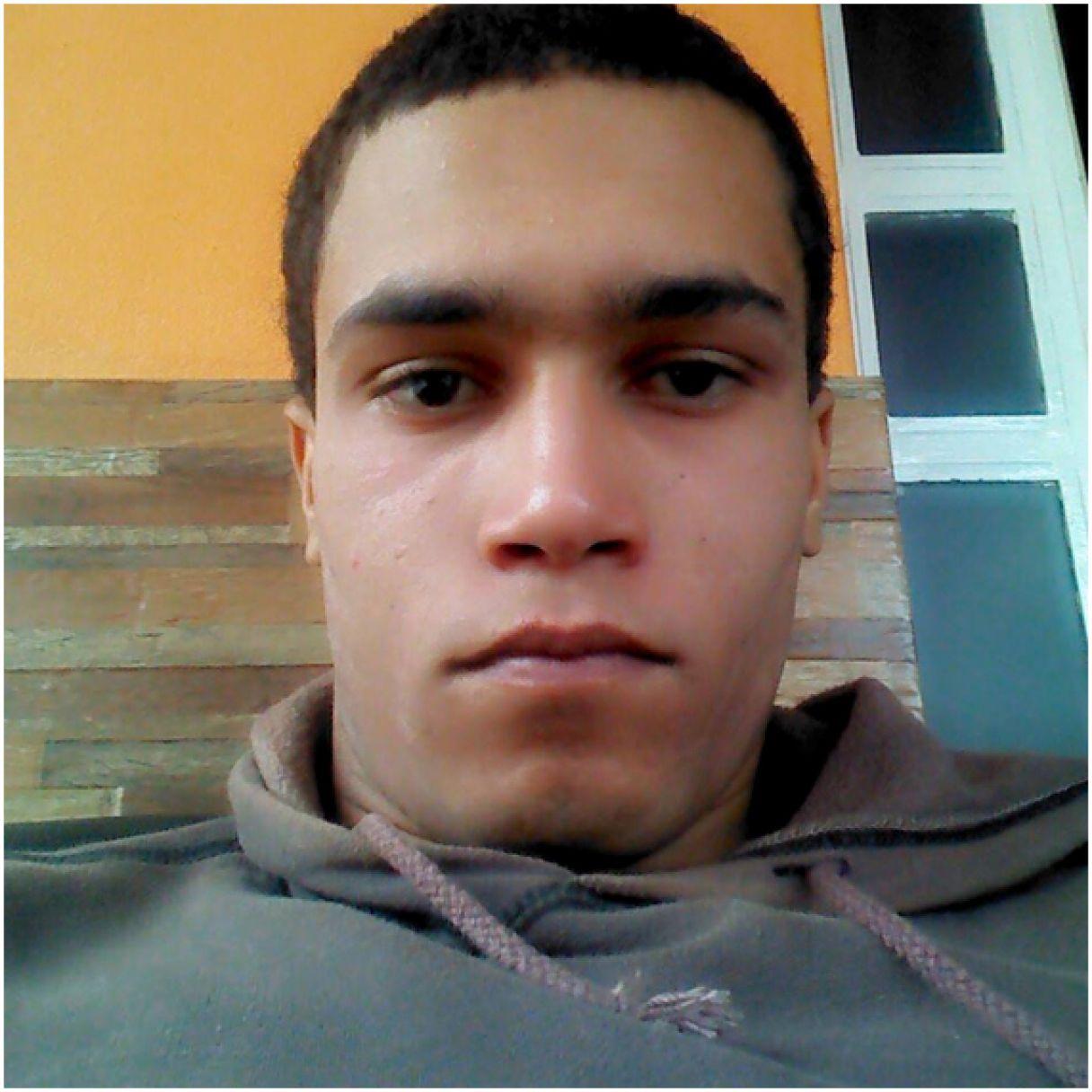 Luiz morava em Bridgeport (CT) e trabalhava como montador de móveis em Massachusetts