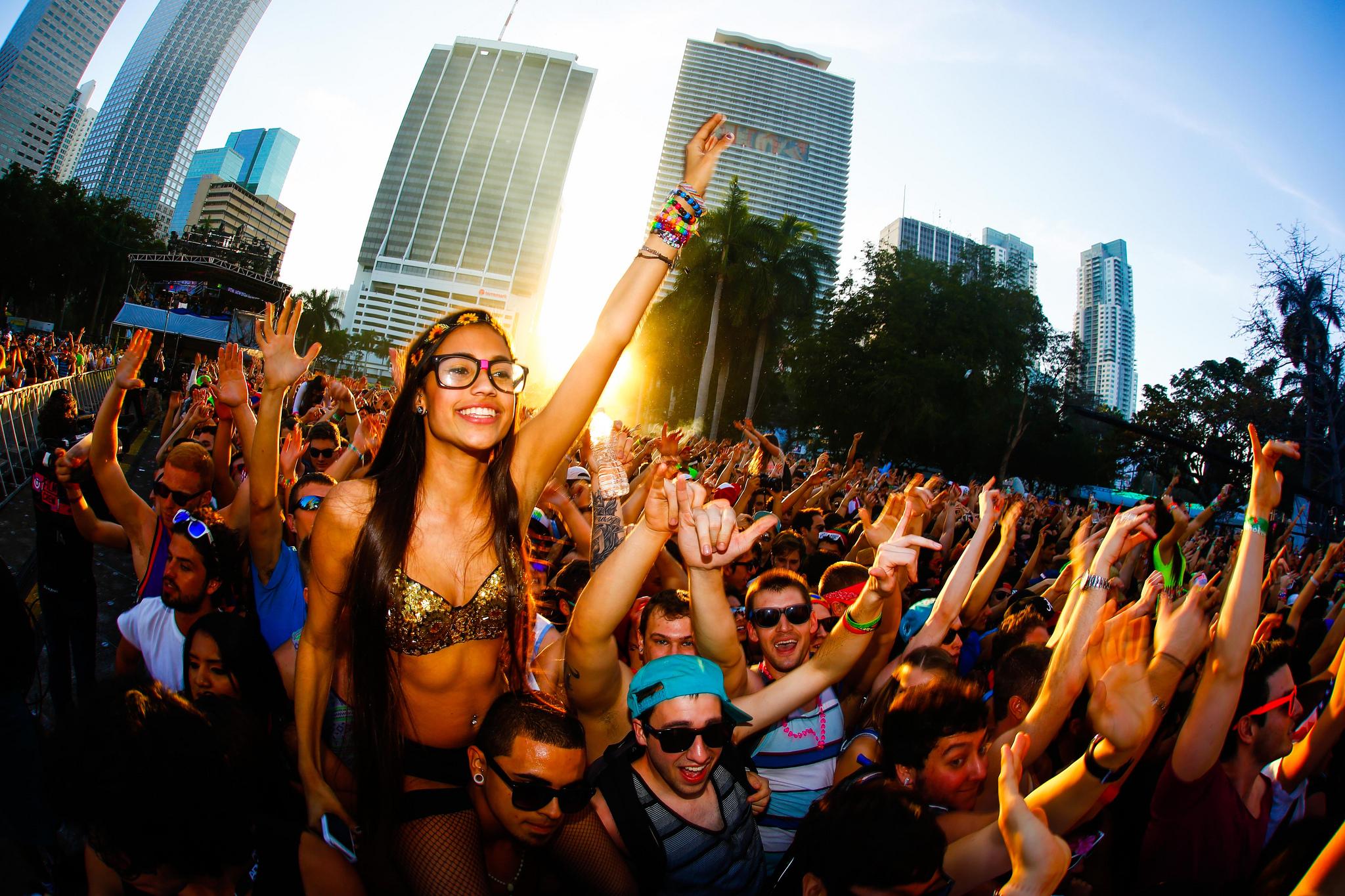 A previsão é que este ano o Ultra Music Festival tenha público recorde de quase 200 mil pessoas