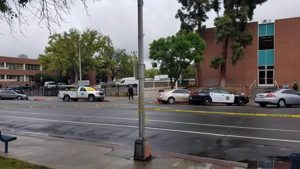 Homem mata três pessoas na Califórnia
