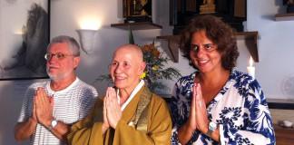"""Adriana Dutra (a direita), com entrevistados do documentário """"Quanto Tempo o Tempo Tem"""""""