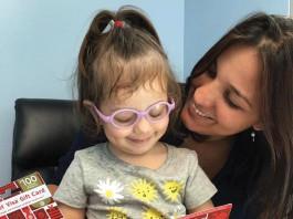 Daiana Pereira com sua filhinha de 2 anos, Nicollly