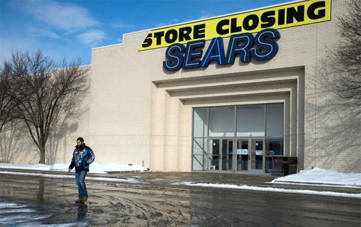 a55b17172e10c Cartaz anuncia fechamento de loja da cadeia Sears no Michigan  so em  janeiro