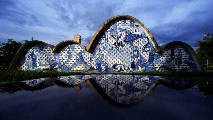 A Igreja da Pampulha, em Belo Horizonte, projetada pelo arquiteto Oscar Niemeyer