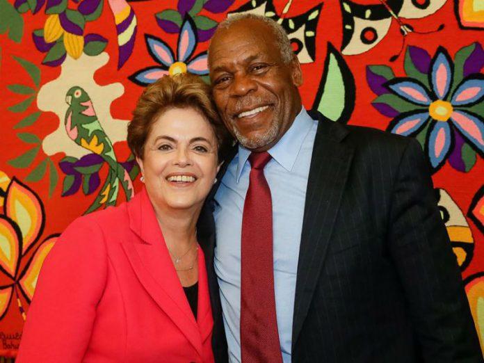Dilma Rousseff recebe Danny Glover no Palácio da Alvorada