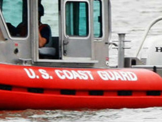 Guarda Costeira faz buscas no mar de Key West