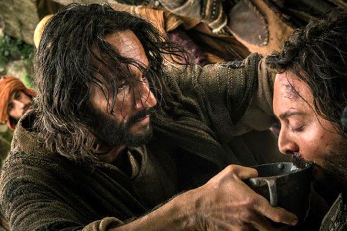 Santoro como Jesus Cristo em cena de 'Ben-Hur'