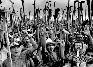 Clique de Sebastião Salgado, o mais aclamado fotojornalista brasileiro de todos os tempos