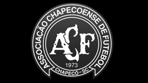 Escudo da Chapecoense representando o luto pela tragédia na Colômbia