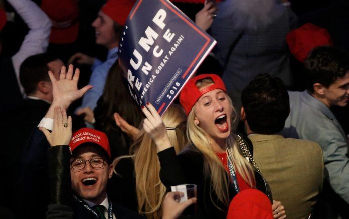 Apoiadores de Trump comemoram vitória em NY