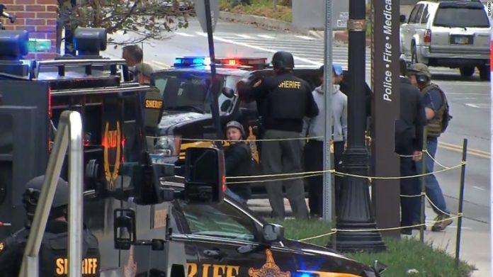 Atirador feriu pelo menos oito pessoas em Ohio