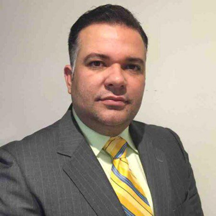 Rodrigo Silveira denuncia o golpe do visto de trabalho