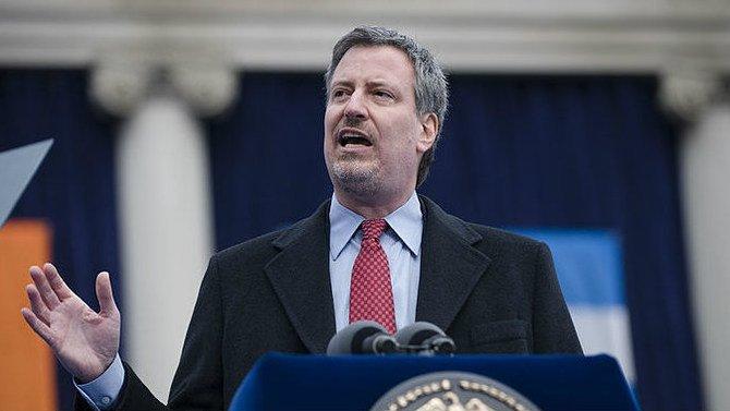 Bill DeBlasio, prefeito de New York City, foi um dos primeiros a declarar que sua cidade vai continuar um 'santuário' para