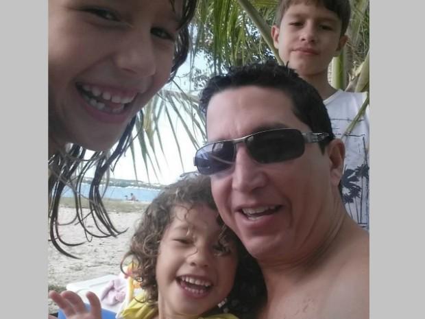 Erick Ramires com os filhos