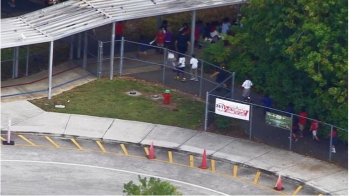 Criança levou arma para a escola em Oakland