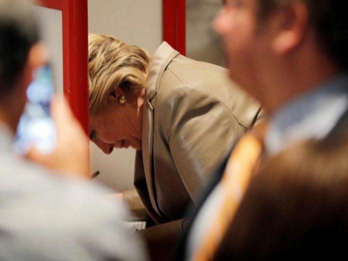 Hillary Clinton vota em New York