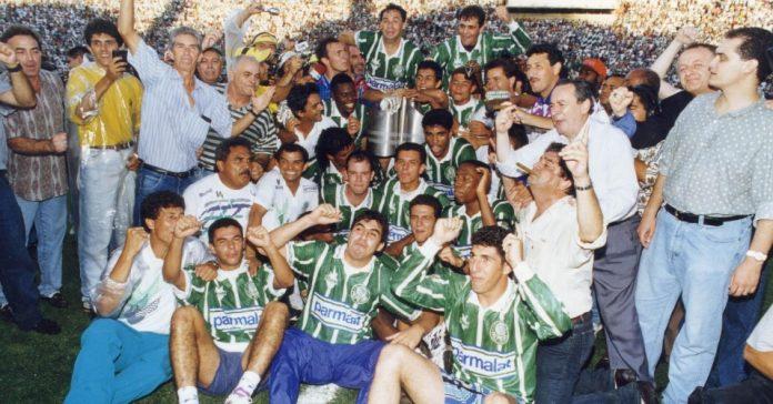 Time de 1994 do Palmeiras comemora título do Campeonato Brasileiro