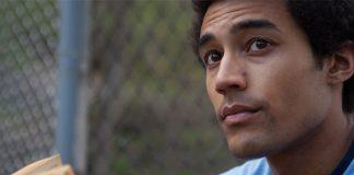 O ator Devon Terrell interpreta Obama na juventude