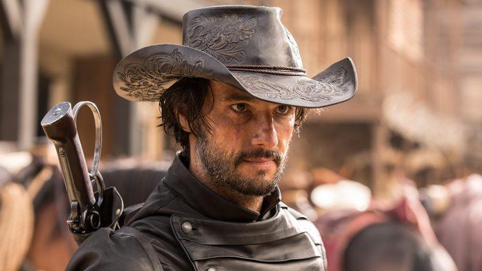 """Rodrigo Santoro é o bandido Hector Escaton em """"Westworld"""", da HBO"""