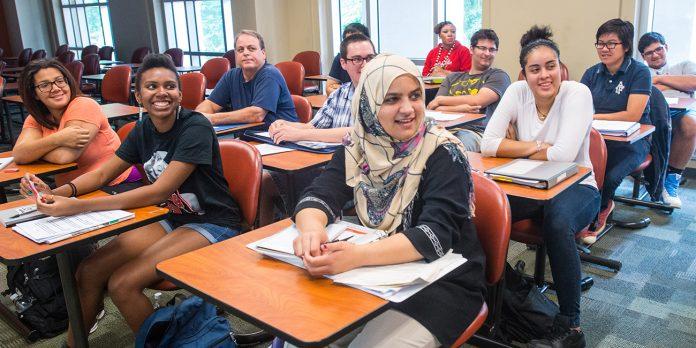 Estrangeiros representam cerca de 5% de todos os alunos matriculados