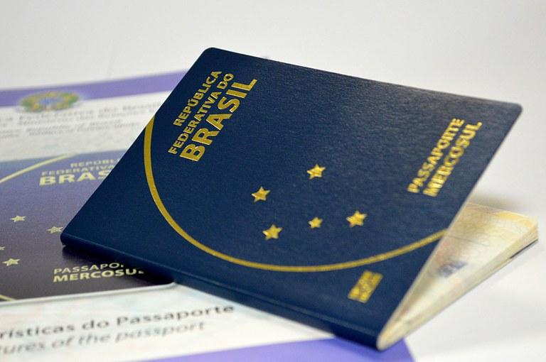 Comissão do Congresso aprova recursos para emissão de passaportes
