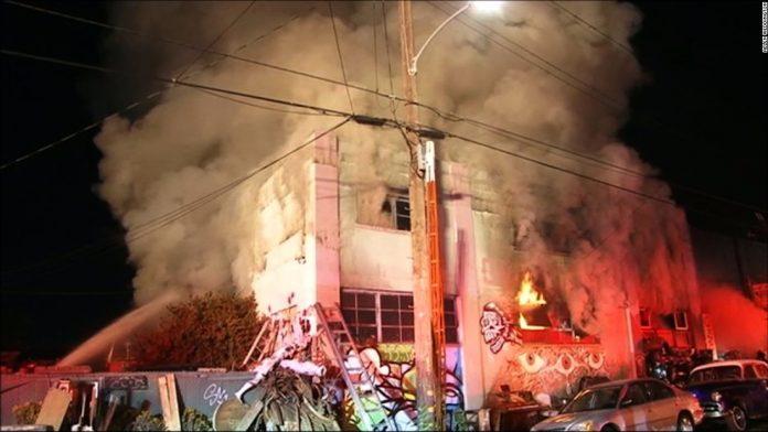Incêndio matou pelo menos 36 pessoas na Califórnia