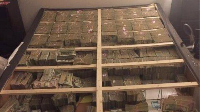 Dinheiro estava escondido debaixo do colchão