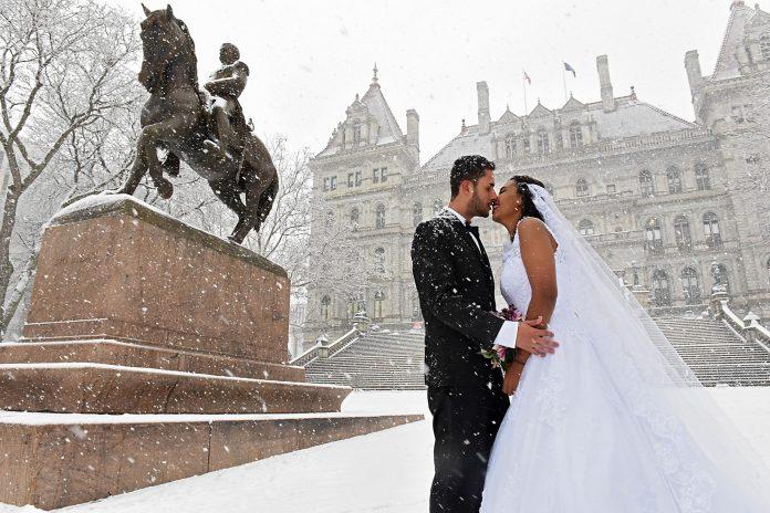Alceir e Adriana, ambos brasileiros, se casaram no dia 29 de dezembro