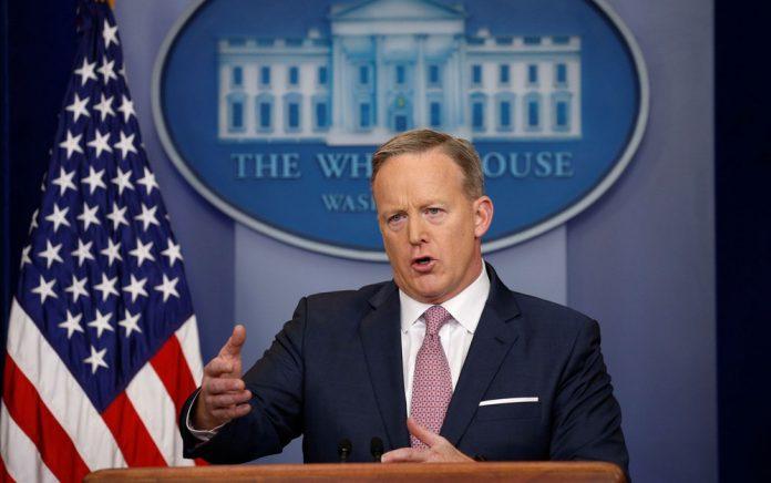 O porta-voz da Casa Branca, Sean Spicer, pediu demissão do cargo