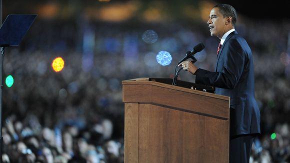 Obama em discurso de vitória em Chicago em 2008
