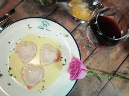 Raviolli com formato de coração do Café Vico em Fort Lauderdale