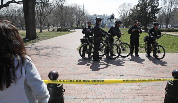 Agentes isolaram parque em frente à Casa Branca FOTO: AP