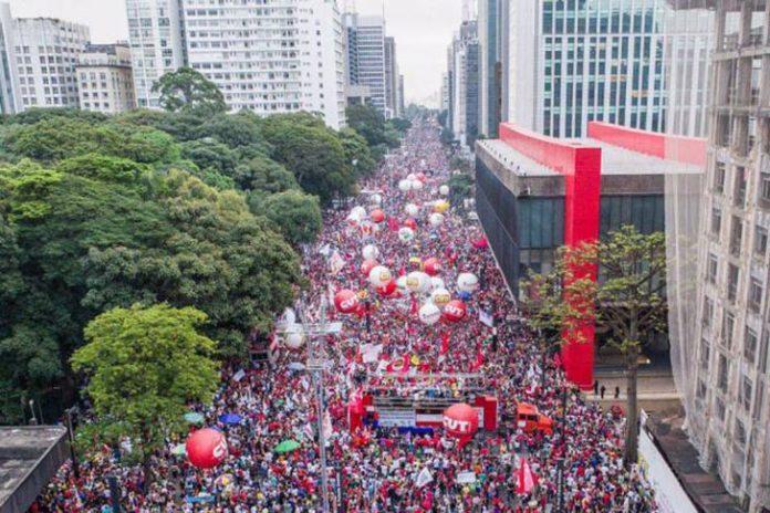Ato lotou a Avenida Paulista