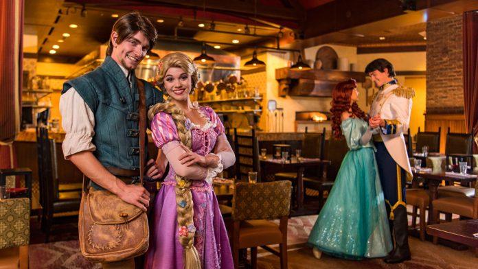 Bon Voyage Breakfast é novo café da manhã com personagens Disney