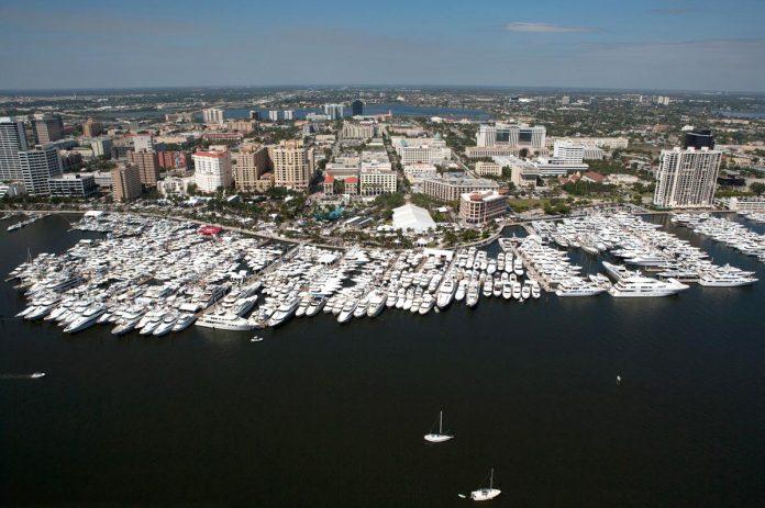 A 30ª edição do Palm Beach International Boat Show vai até o dia 26 (Foto: Forest Johnson)