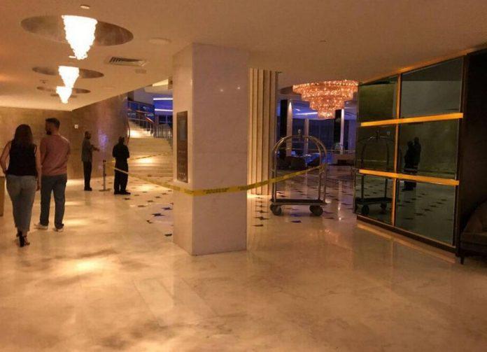 Lobby do Fontainbleau ficou fechado por horas