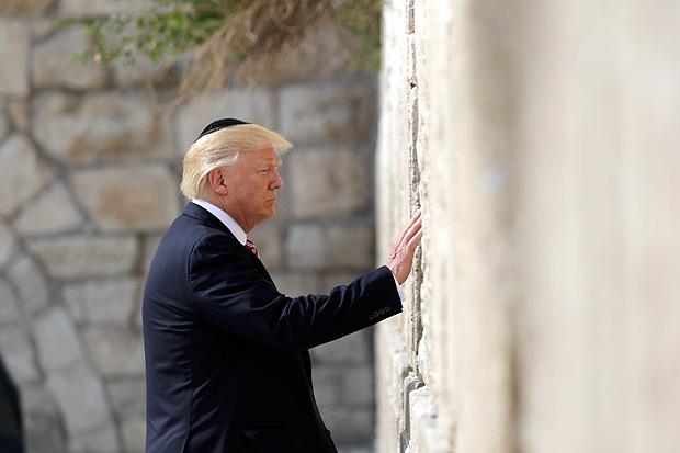 Trump visita o muro das lamentações em Jerusalém FOTO Evan Vucci/Associated Press