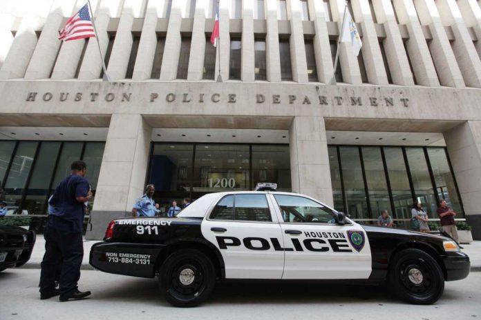 Brasileiro foi preso em Houston, Texas
