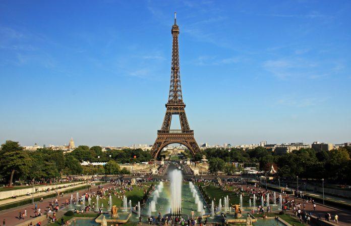 O PSG pediu autorização para a Gendarmaria francesa para celebrar um evento na Praça de Trocadero, com a Torre Eiffel ao fundo