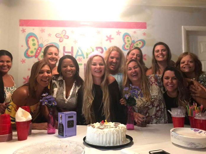 Festa surpresa para Kettely Cipriano
