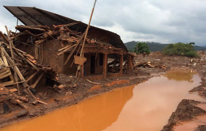 O distrito da cidade de Mariana foi o mais afetado pela queda da Barragem de Fundão, da mineradora Samarco (cujos donos são a Vale e a anglo-australiana BHP Billiton)