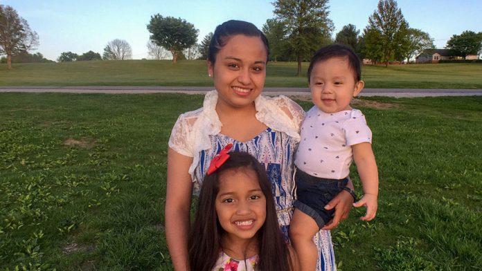 Mulher é portadora do DACA e tem dois filhos