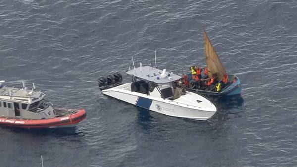 Imigrantes chegam à Flórida de barco