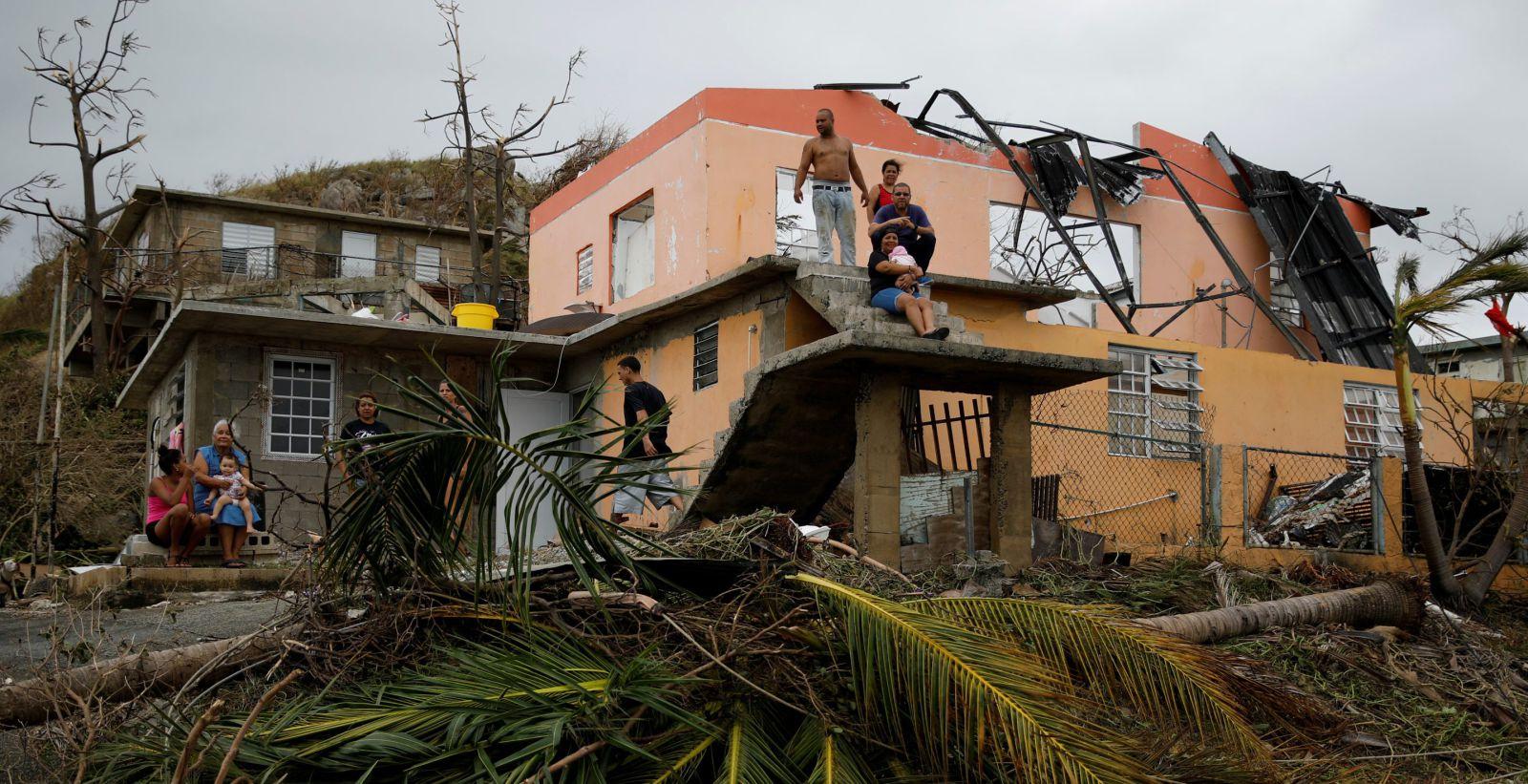 Doa US$1 milhão a vítimas de furacões em Porto Rico