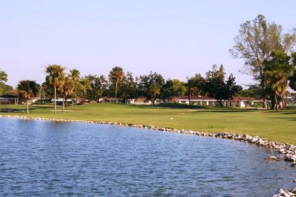 Campo de golfe Crystal Lake vai se transformar em um condomínio de casas