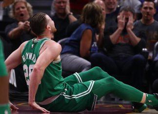 Gordon Hayward sofreu lesão grave na perna e pode desfalcar o Boston Celtics por toda temporada