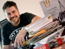 Thomas Stavros é roteirista