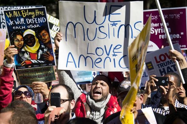 Tribunal autoriza Trump a vetar entrada a residentes de seis países muçulmanos