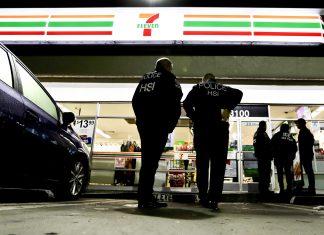 7-Eleven foi alvo de uma operação gigantesca do ICE AP Photo/Chris Carlson