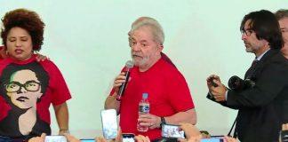 Lula discursa no Sindicato dos Metalúrgicos do ABC, em São Bernardo do Campo FOTO GloboNews Reprodução