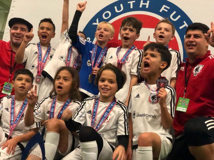 O clube Florida Crushers, com sede em Fort Lauderdale, ganhou o Campeonato Nacional de Futsal realizado no Kansas